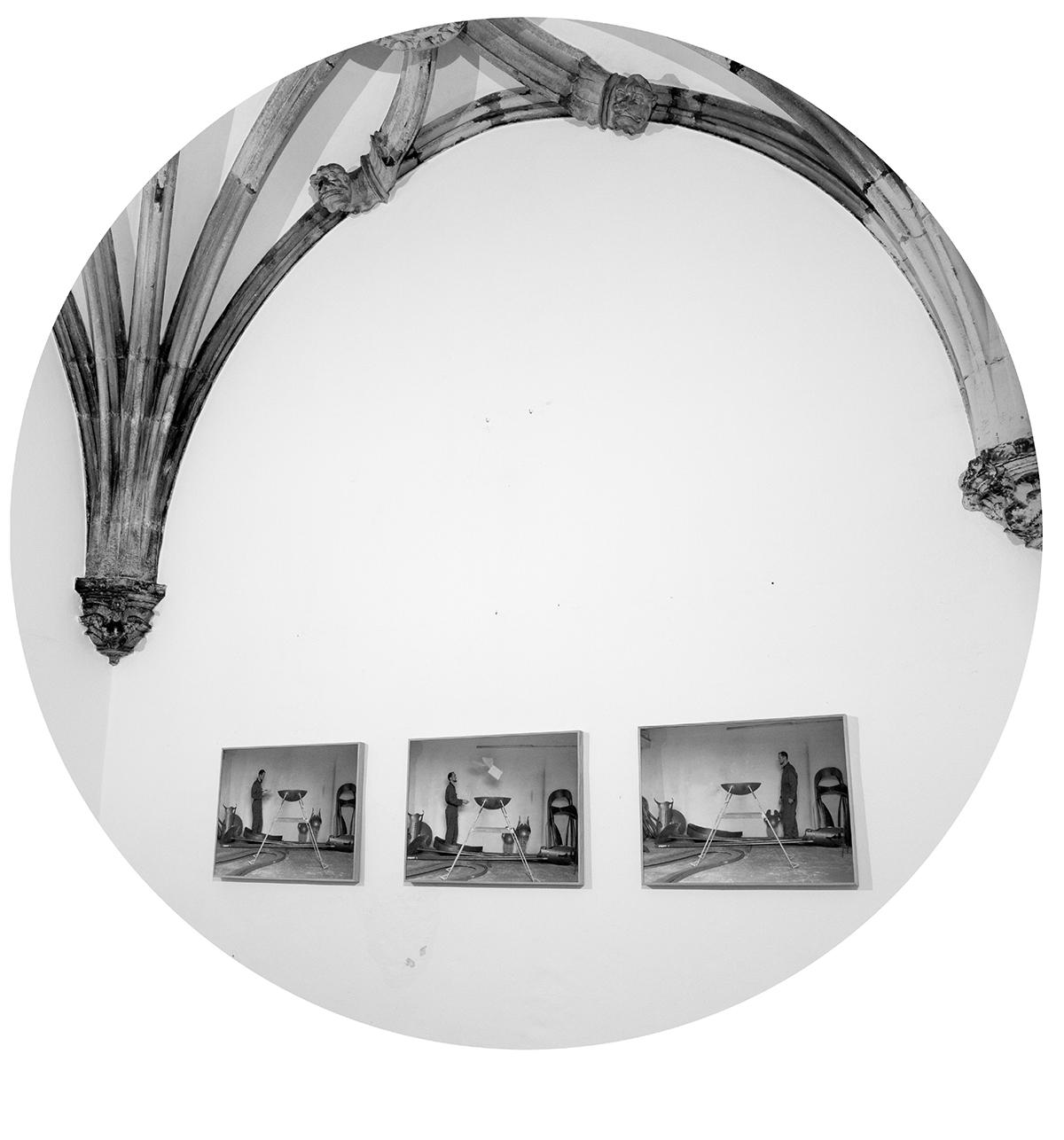 Albano Silva Pereira | S/ título, 2012 | Triptico da série, Ao espelho da Sereia | Imagem do círculo - Instalação da obra no Café Santa Cruz