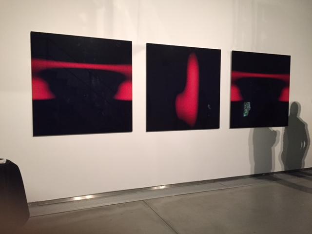 Moirika Reker Gilberto Reis | Superfícies de Reflexão, 2005 | Tríptico - diasec | 120x360 cm | Instalação da obra no Museu da Água